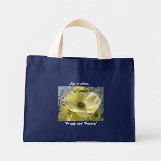 Life is about Family and Friends! Tote bag Flowers